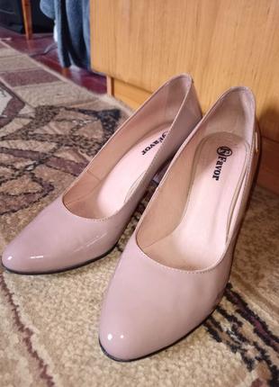 Женские туфли на каблуке(5см)