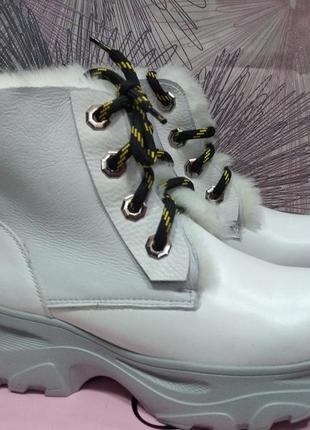 Зимние белые ботинки marcco новинка