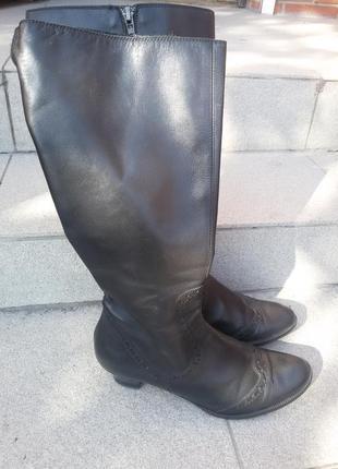 Шикарные кожаные демисезонные сапоги германия