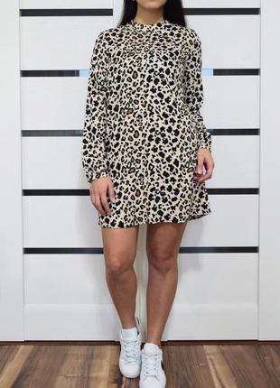 Платье (новое, с биркой) tu
