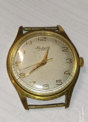 Часы позолоченные наручные Raketa 21 jewels