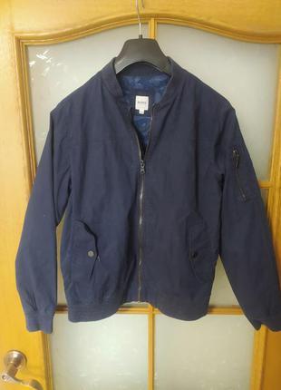 Куртка бомбер от hugo boss,12 лет