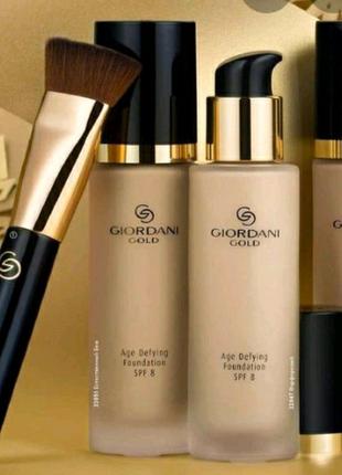 Тональний крем Giordani Gold