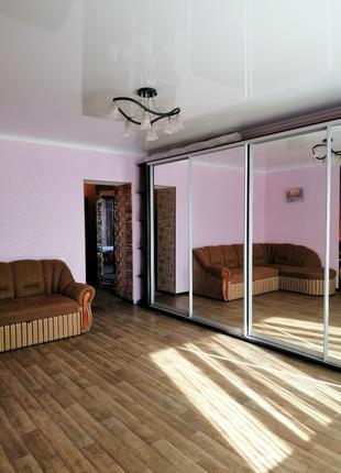 Продам 2 комнатную квартиру в кирпичном доме на Сахарова