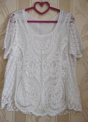 Нарядная белоснежная ажурная блуза .