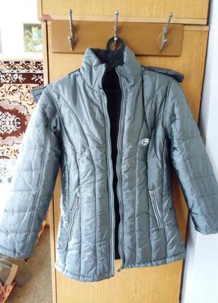 Новая женская курточка