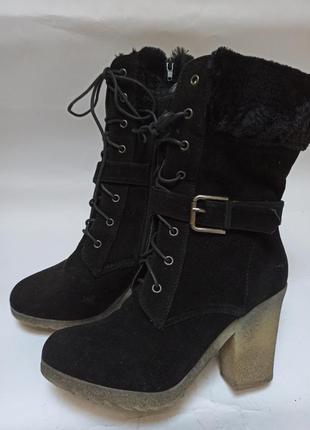 Полусапоги (ботинки) на каблуке черные.брендовая обувь stock