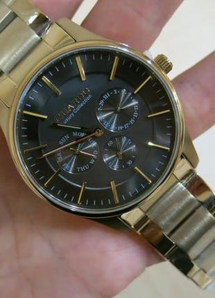 Стильные мужские часы известного итальянского бренда.