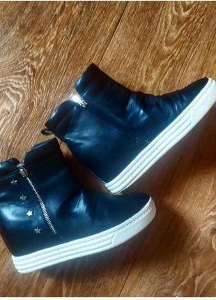 Демисезонные ботинки на платформе сникерсы
