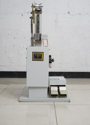 Машина  производства обуви затяжка затяжной кромки шнурком SN01