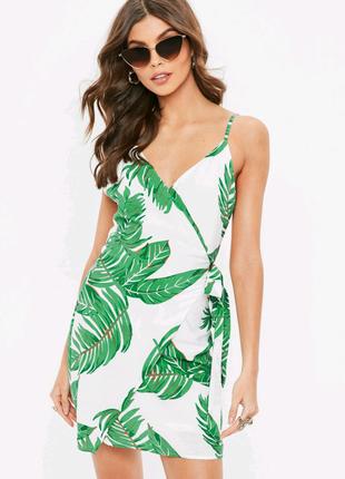 Платье сарафан с тропическим принтом Missguided