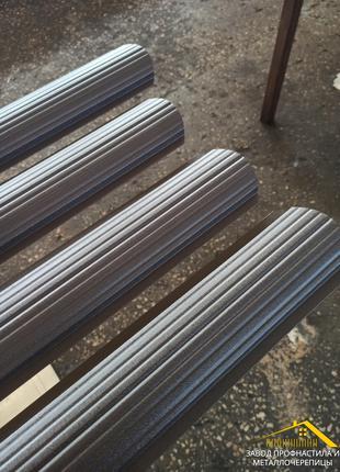 Евроштакет металлический для забор коричневого цвета Ral 8019