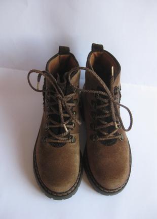 Демисезонные ботинки на девочку Richter