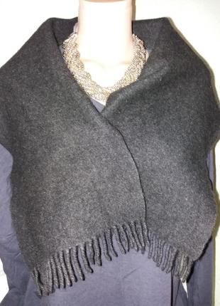 Кашемировый шарф цвета мокрого асфальта.