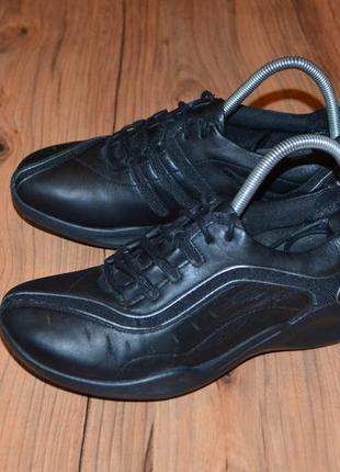 Продам кроссовки clarks - 38 размер