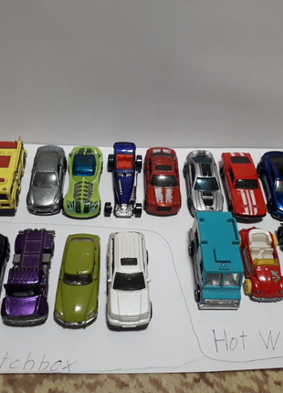 Машинки от фирмы Hot Wheels и Matchbox