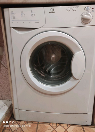 Стиральная машина стиралка Индезит Indesit (Италия)
