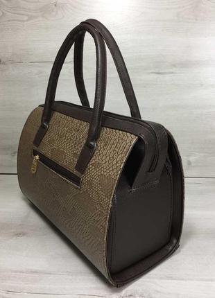 Женская классическая жесткая сумка саквояж коричневая рептилия