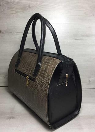 Женская классическая жесткая сумка саквояж кофейная крокодилов...