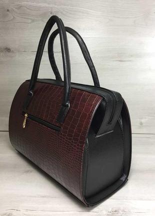 Женская классическая жесткая сумка саквояж бордовая крокодилов...