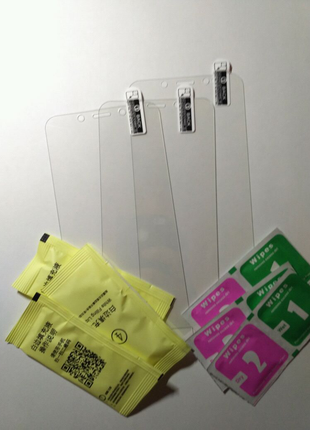 Защитное стекло на Xiaomi Redmi 5 Plus