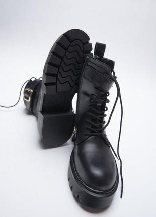 Очень классные кожаные ботинки zara