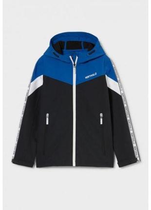 Стильная куртка-дождевик для мальчика c&a