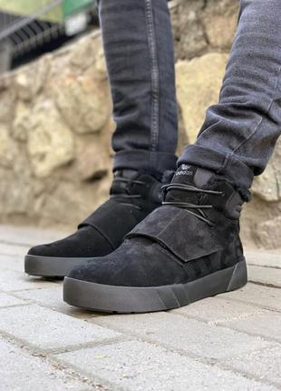 Мужские зимние кроссовки адидас adidas.