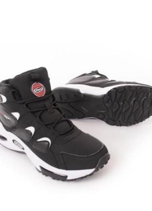 Мужские зимние кроссовки