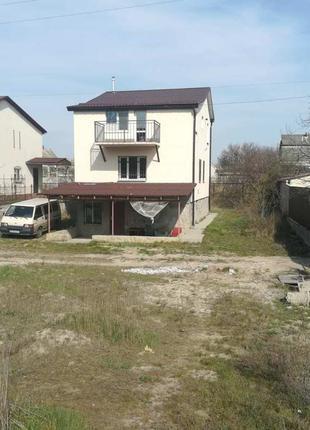 Отличный 3-х.эт. дом. возле Десны.СТ Зализнычный. Код объекта:138