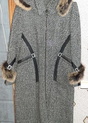 Распродажа!!! Пальто новое, серое, драп, капюшон - натуральный...