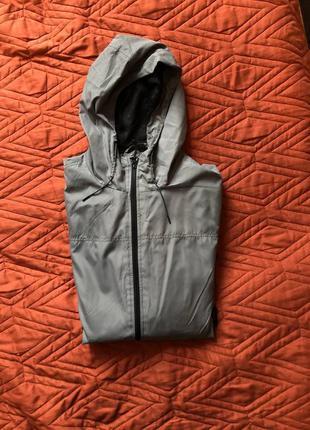 Дождевик / куртка с капюшоном
