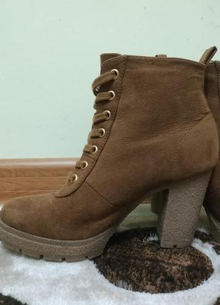 Ботинки черевики черевички женские каблук осень замша