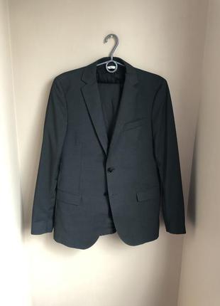 Классический деловой костюм мужской фирменный 48
