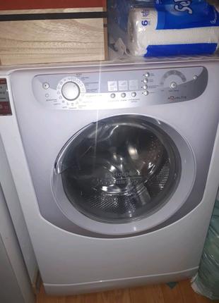 Пральна машинка стиральная машина Ariston Aqualtis AQSF 105