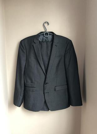 Стильный классический деловой костюм мужской