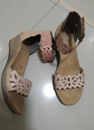 37 р. rieker кожаные удобные босоножки сандалии