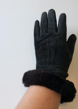 Перчатки замшевые фирменные .