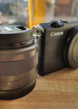 Фотоаппарат Canon EOS M200 с картой памяти в подарок