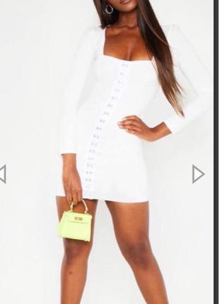 Белое платье от pretty little thing