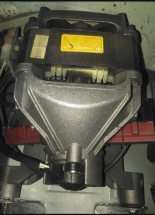 Двигатель стиральной машины Indezit WS105TX