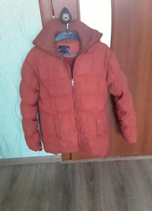 Куртка с капюшоном пуховик