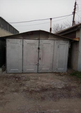 Продам гараж в Раково с землей