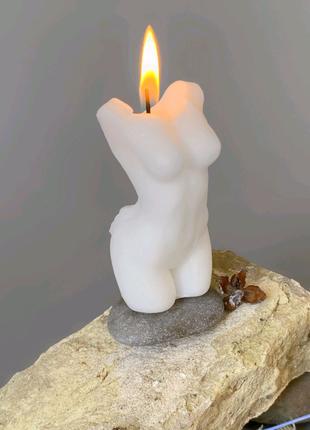 Свеча в форме женского тела, женский торс