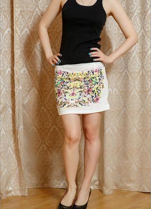 Юбка с ярким цветочным принтом