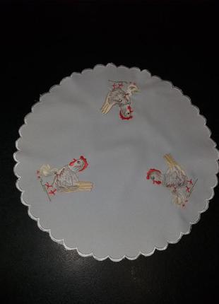 Салфетка круглая вышивка курочки
