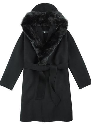 Пальто с воротником из искусственного меха zara