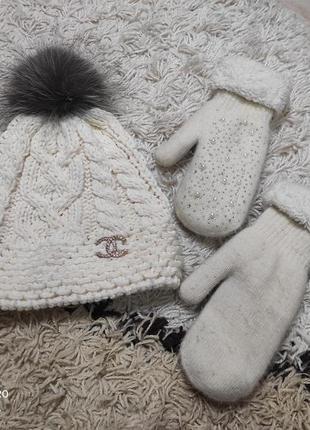 Теплый зимний набор комплект - шапка на флисе и варежки на меху