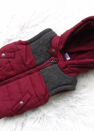 Теплая жилетка с капюшоном f&f