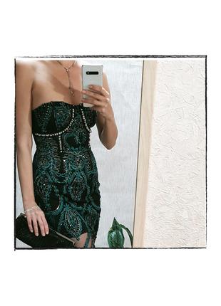 Платье PrettyLittleThing изумрудное с вышивкой,пайетками,жемчугом
